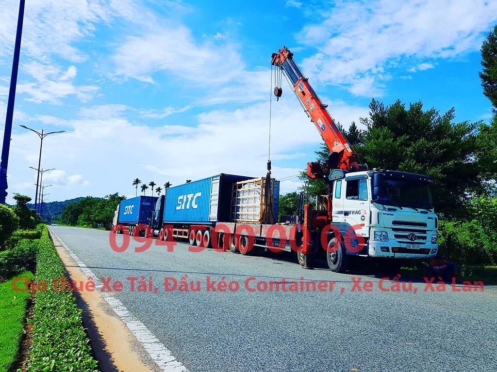 """Ảnh: Dịch vụ Cho thuê xe cẩu - Xe đầu kéo vận chuyển container thiết bị máy móc từ Sài Gòn ra Công trình tại Gành Dầu để rút container. """"Chành xe Phú Quốc công ty CON RÙA BIỂN - Cho thuê xe đầu kéo container"""""""