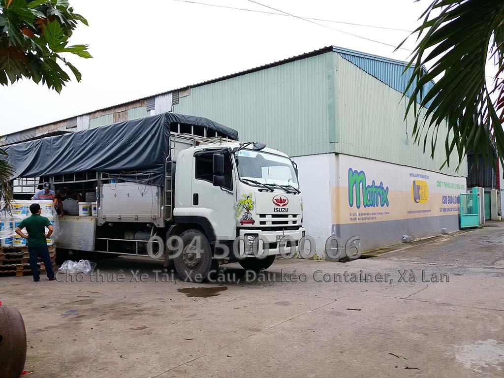 (Ảnh: vận chuyển hàng hóa bắc nam, cty Con Rùa Biển nhận vận chuyển Nước Sơn từ Đồng Nai đi Hà Nội)