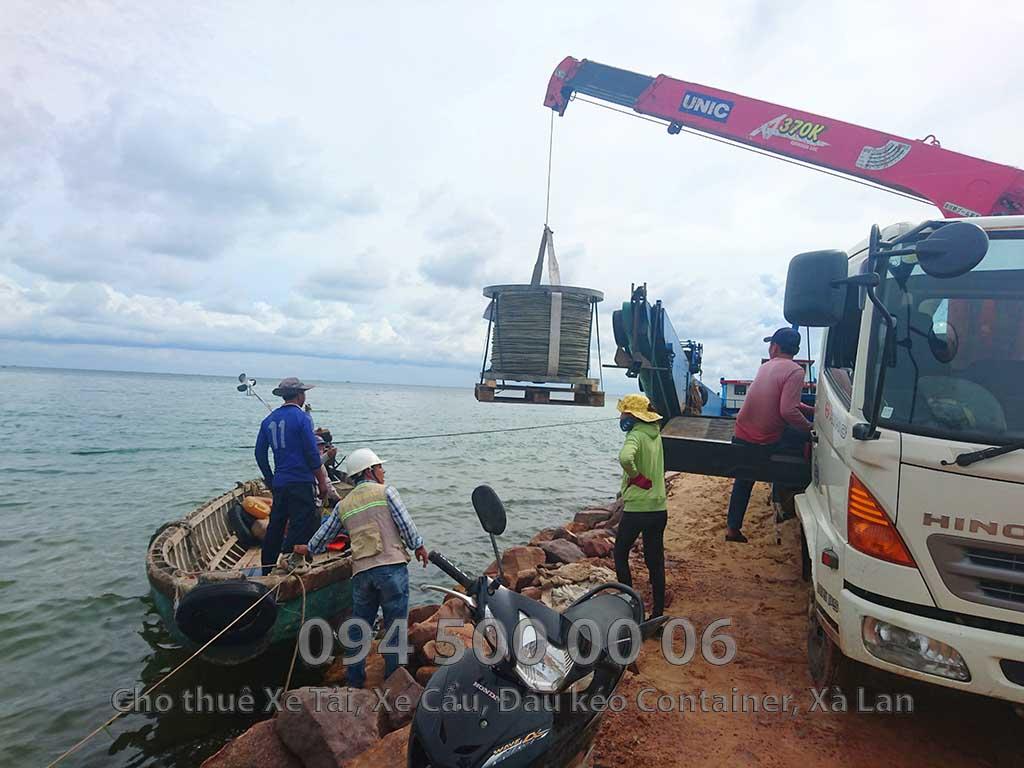 (Ảnh: vận chuyển hàng hóa bắc nam, cty Con Rùa Biển nhận vận chuyển Cáp Điện từ Đất Liền đi qua đảo Hòn Thơm (Cáp treo hòn thơm))