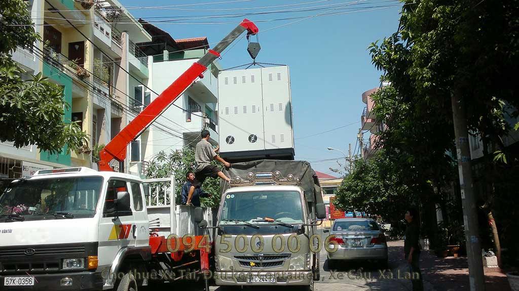 Ảnh: Dịch vụ Cho thuê xe cẩu tại HCM: Cty Con Rùa Biển đang nhận Cẩu và vận chuyển tủ điện từ HCM đi Hà Nội