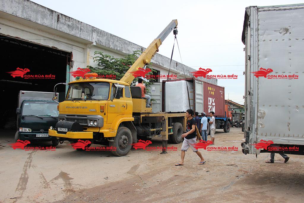 Ảnh: Dịch vụ Cho thuê xe cẩu tại HCM: Cty Con Rùa Biển đang nhận Cẩu và vận chuyển Máy phát điện từ HCM đi Hưng Yên