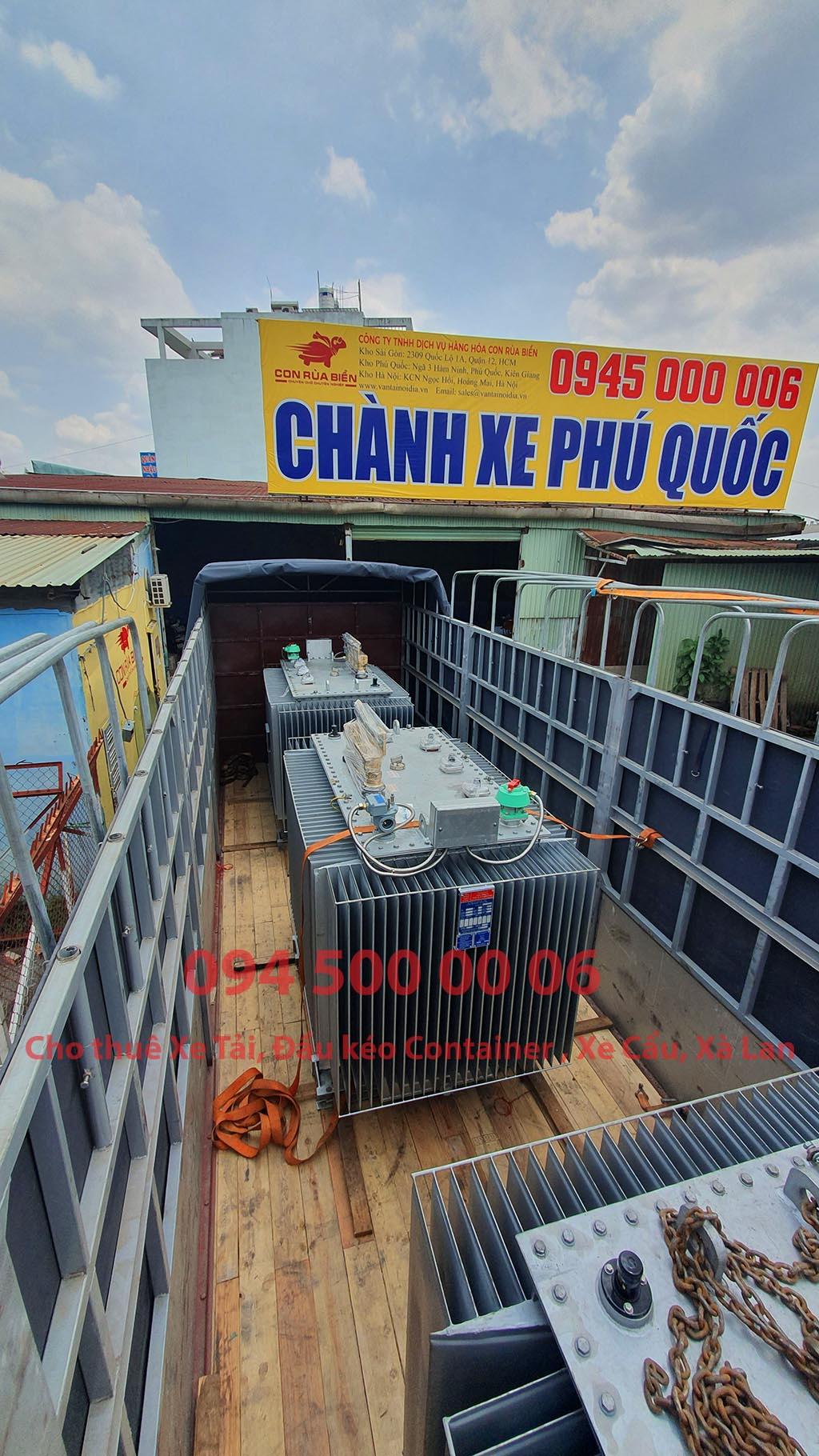 (Ảnh: máy biến áp, máy biến thế đã được Chành xe Phú Quốc công ty CON RÙA BIỂN nhận để ghép xe tải tại Bãi xe HCM để vận chuyển cùng các loại hàng hóa nhỏ lẻ đi ghép ra đảo Phú Quốc)