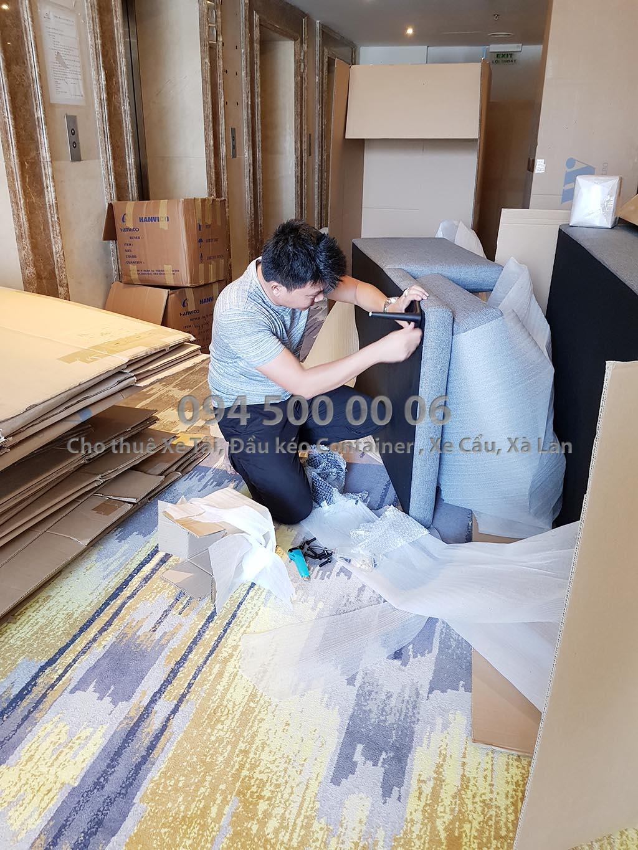 (Ảnh: Vận chuyển hàng Nội Thất bắc nam từ Bình Dương đi Đà Nẵng; đang thực hiện công việc lắp ráp nội thất)