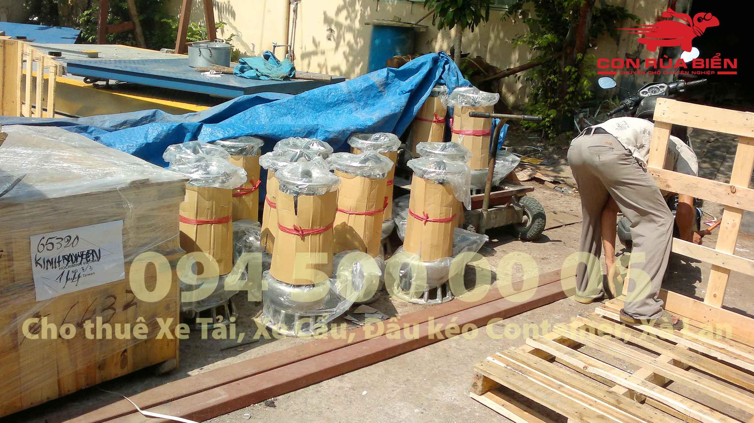 Van chuyen may bom tu HA Noi di Phu Quoc ghep xe tai duong bo 11